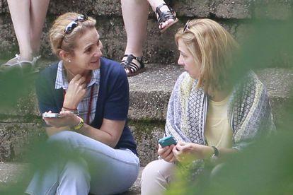 Las infantas Elena y Cristina de Borbón en Ginebra (Suiza), en 2014.