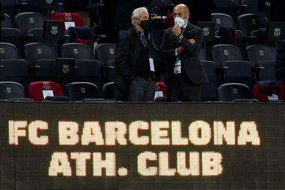 Tusquets y Elizegi en el palco del Camp Nou.