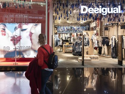 Una tienda Desigual en el aeropuerto de Barcelona.