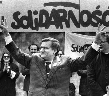 El fundador del sindicato Solidaridad y expresidente polaco Lech Walesa, en 1989.