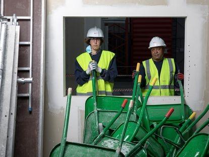 Virginia Márquez y Luis Orlando Estacio, alumnos de la Fundación Laboral de la Construcción.