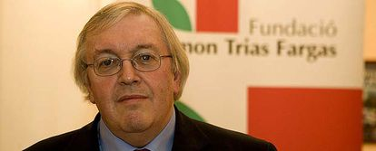 El historiador Paul Preston, tras recibir el Premio Ramón Trias Fargas en 2006.