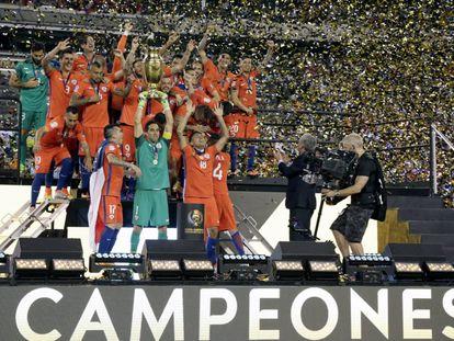 Final de la COPA America. Chile celebra su victoria sobre Argentina en el MetLife Stadium de East Rutherford, New Jersey, el pasado 26 de junio.