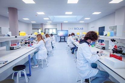 Los alumnos de la Universidad Alfonso X el Sabio disponen de un Hospital Virtual de Simulación dotado con las últimas tecnologías.