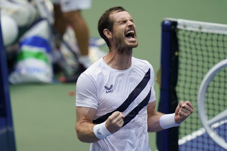 Murray celebra su triunfo contra Nishioka en la central de Nueva York.