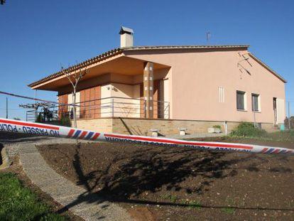 Dos mujeres fueron victimas anoche de un asalto con violencia en su casa de La Bruguera en Campllong (Girona).