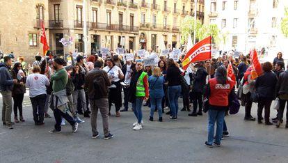 Concentración de los trabajadores del 010 frente al Ayuntamiento