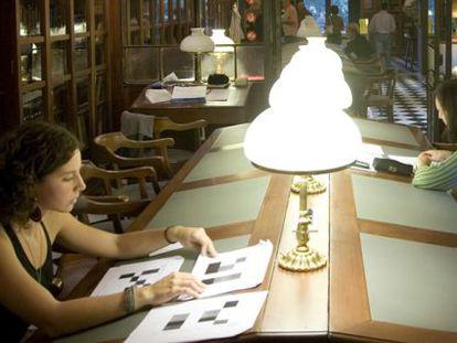 La biblioteca del Ateneu barcelonés.