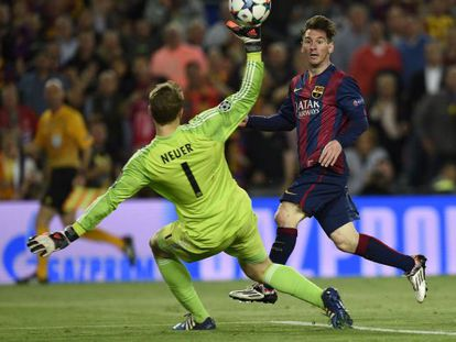 Messi marca su segudo gol frente al Bayern.