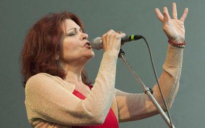 Rosanne Cash, durante un concierto en el festival Folk de Vancouver en 2011.