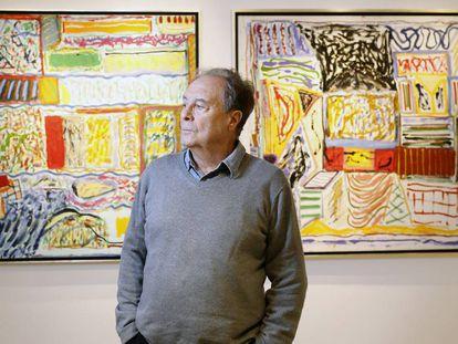 Vicente Verdú en su exposición 'Interiores y pormenores'.