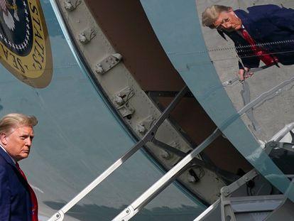 El presidente estadounidense, Donald Trump, se subía el sábado al avión presidencial en el aeropuerto de Palm Beach para regresar a Washington.