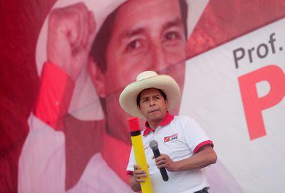 El candidato presidencial Pedro Castillo, en un acto de campaña el pasado martes en Lima, Perú.