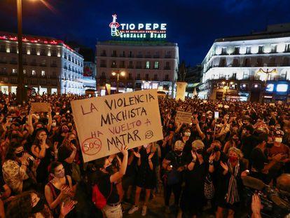 Protesta en la Puerta del Sol de Madrid contra la violencia machista, este viernes.