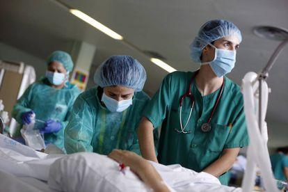 Imagen tomada en la Unidad de Cuidados Intensivos de Trauma del Hospital Doce de Octubre de Madrid.