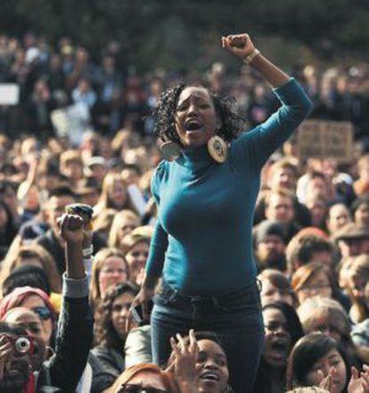Protesta de estudiantes en la Universidad de Davis de California.