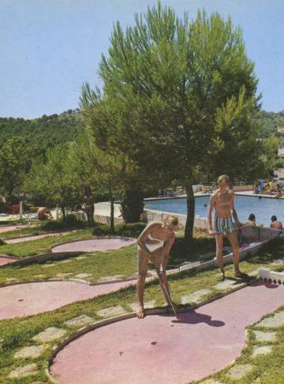 'Ciudad de Vacaciones, Font de Sa Cala (1970)', de Marina Planas.