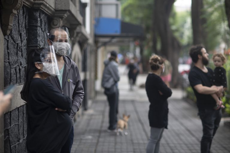 Habitantes de Ciudad de México tras el sismo del pasado 23 de junio.