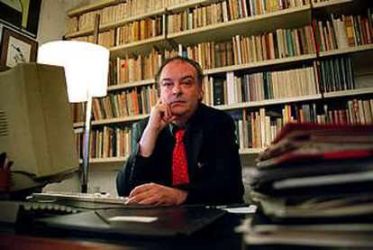 Enrique Vila-Matas, retratado esta semana en su casa de Barcelona.