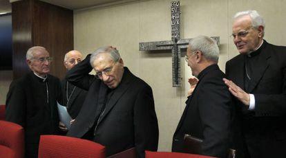 El presidente de la Conferencia Episcopal Española (CEE), Antonio María Rouco Varela,  en la inauguración de la asamblea plenaria de los obispos,  en Madrid.