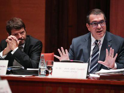 El consejero Jordi Jané y el director general de la Policía, Albert Batlle.