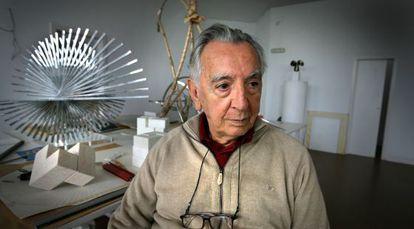 Andreu Alfaro, en su estudio a finales de 2008.
