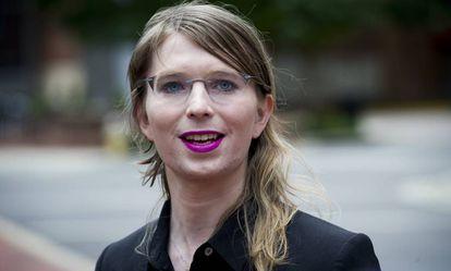 Imagen de archivo de la soldado estadounidense Chelsea Manning tras salir de un juzgado federal en Alexandria.
