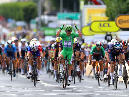 Cavendish celebra su 32ª victoria en el Tour.