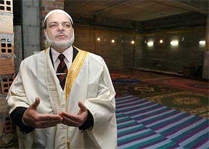 Abdul Qader Husni Qamhiyeh, imam de la mezquita de la Paz de Granada.
