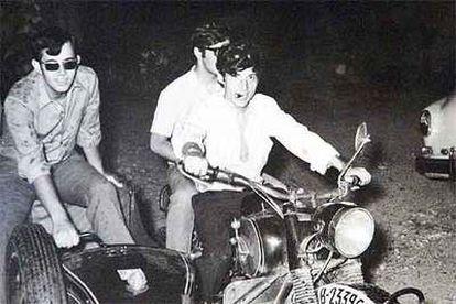 Puig Antich, en una moto.