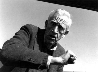 Otra de las pocas imágenes que hay de J. D. Salinger, en la que está agrediendo al fotógrafo en los años ochenta.