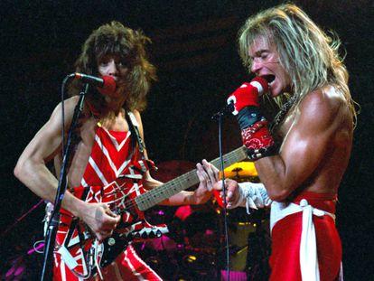 Eddie Van Halen y David Lee Roth en un concierto de Van Halen en el Madison Square Garden de Nueva York, en 1982.