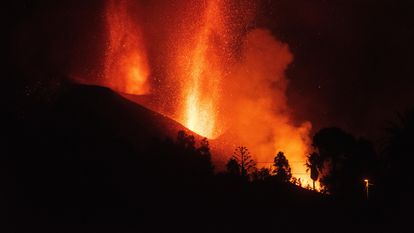 El nuevo volcán de Cumbre Vieja, en La Palma, comenzó el miércoles su décimo octavo día de erupción.