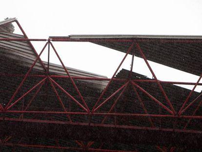 Parte del techo de la grada de Río de Balaidos ha perdido la cubierta