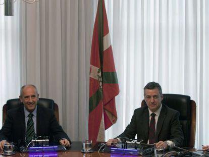 El lehendakari, Iñigo Urkullu y el portavoz del Gobierno vasco, Josu Erkoreka.