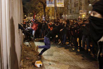Protestas en las afueras del Camp Nou.