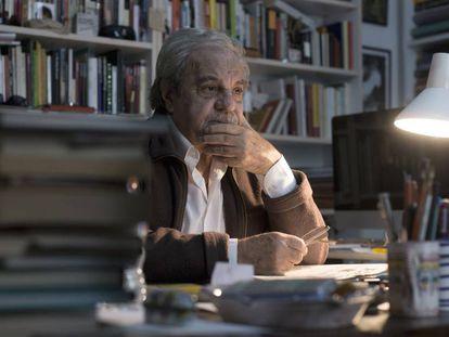 El escritor Juan Marsé, en su casa de Barcelona en 2014.
