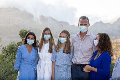 Los Reyes y sus hijas, en la visita a Escorca y la sierra de Tramuntana el 4 de agosto de 2021.