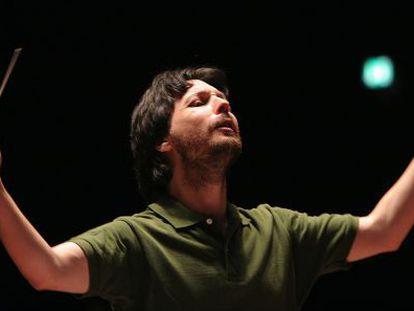 Robert Forés, durante una actuación.