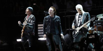 U2 durante su concierto en Madrid el pasado febrero.