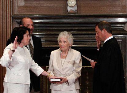 Momento de la jura de su cargo como magistrada del Supremo de EE UU de Sonia Sotomayor