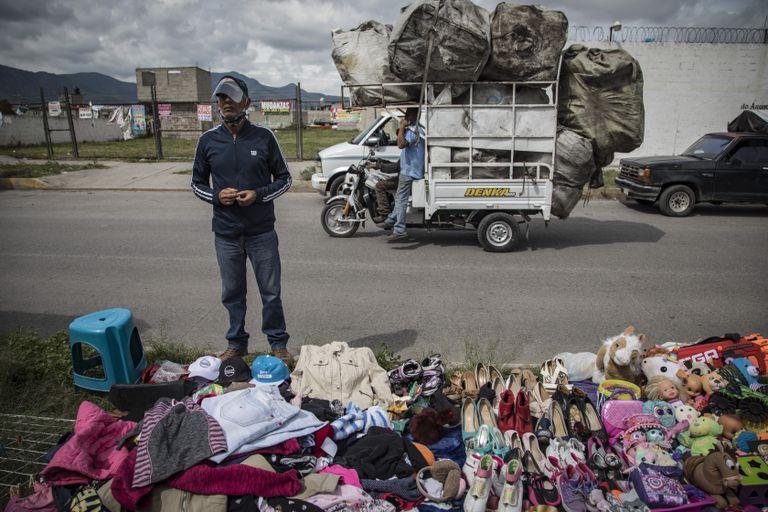 Vendedores en un tianguis de Ciudad de México, en agosto.