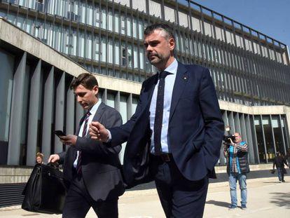 El exconsejero Santi Vila, tras declarar en Huesca, en abril de 2018.