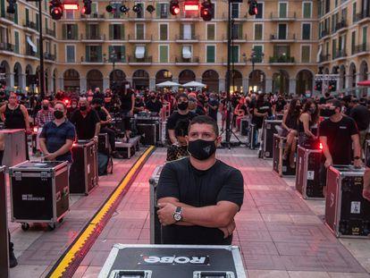 Protesta del movimiento Alerta Roja, hoy en la Plaza Mayor de Palma de Mallorca.