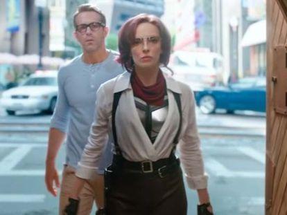 Ryan Reynolds y Jodie Comer, en 'Free Guy'.