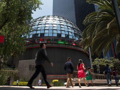 La Bolsa Mexicana de Valores (BMV), ubicada en Avenida Paseo de la Reforma. FOTO: ANDREA MURCIA /CUARTOSCURO.COM