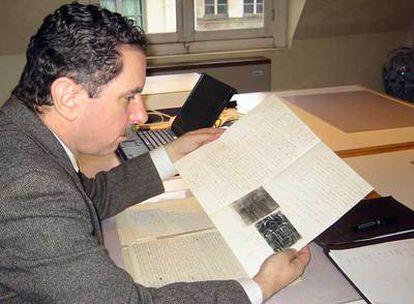 El investigador estadounidense ha liderado el grupo que ha realizado el hallazgo en un archivo de París.