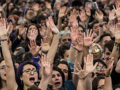 """Protesta contra la sentencia de 'la manada""""."""