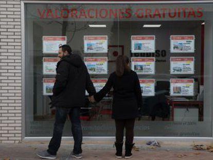 Los altos precios han cerrado las puertas del mercado inmobiliario a los menores de 30 años