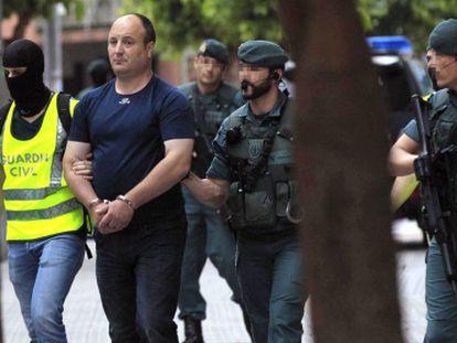El presunto colaborador de ETA, Tomás Madina Echevarría, detenido en Galdácano (Bizkaia).
